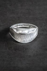 Silver Curve Shell Stretch Bangle