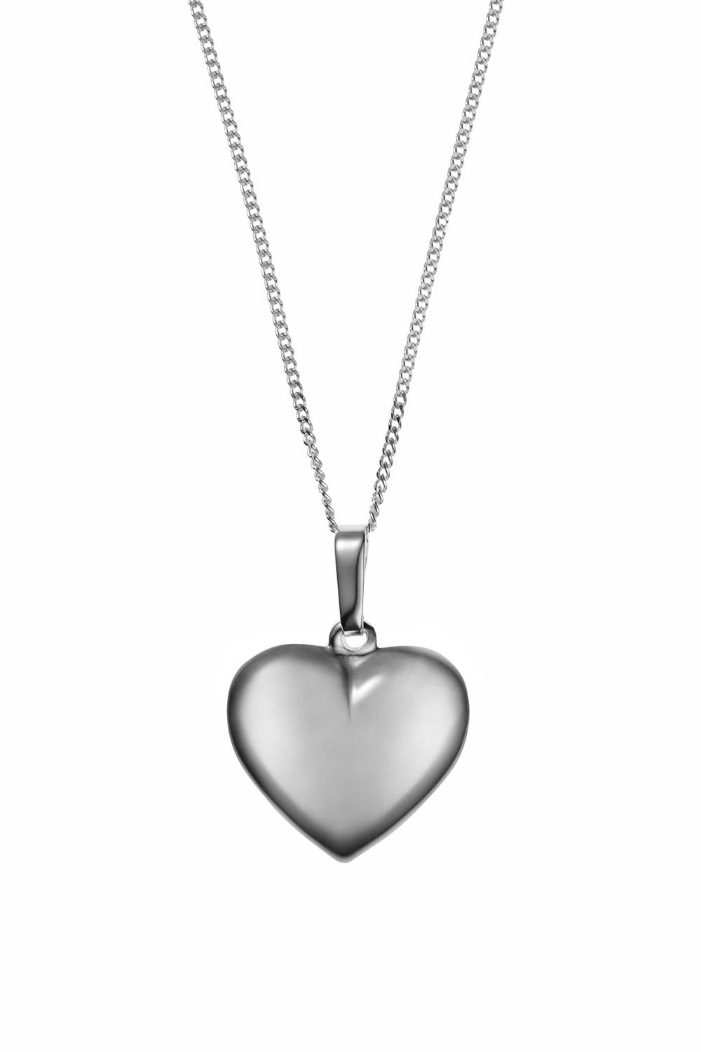 Necklaces baronessa silver heart necklace silver heart necklace as seen in hello loves mozeypictures Images